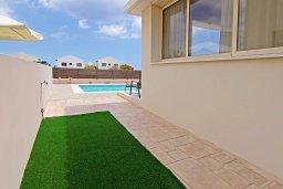 Территория. Кипр, Каппарис : Прекрасная вилла с 3-мя спальнями, 2-мя ванными комнатами, солнечной террасой и бассейном