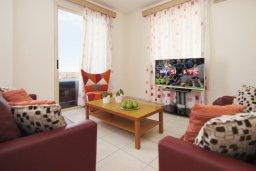 Гостиная. Кипр, Каппарис : Прекрасная вилла с 3-мя спальнями, 2-мя ванными комнатами, солнечной террасой и бассейном