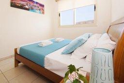 Спальня. Кипр, Каппарис : Прекрасная вилла с 3-мя спальнями, 2-мя ванными комнатами, солнечной террасой и бассейном