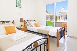 Спальня 2. Кипр, Каппарис : Потрясающая двухэтажная вилла с 3-мя спальнями, с бассейном, окруженным красивым садом и барбекю