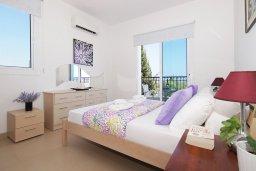 Спальня 2. Кипр, Пернера : Прекрасная вилла с бассейном, зеленым двориком с и барбекю, 3 спальни, 2 ванные комнаты, парковка, Wi-Fi