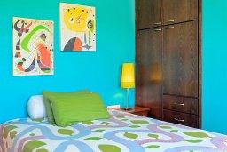 Спальня 3. Кипр, Фиг Три Бэй Протарас : Роскошная вилла с бассейном и зеленой территорией, 5 спален, 4 ванные комнаты, детская площадка, барбекю, парковка, Wi-Fi
