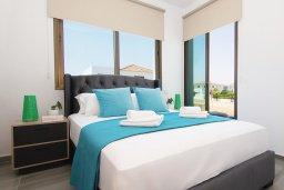 Спальня 2. Кипр, Пернера : Современная вилла с бассейном и двориком с барбекю, 4 спальни, 3 ванные комнаты, парковка, Wi-Fi
