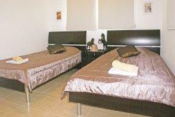 Спальня 2. Кипр, Пернера : Прекрасная вилла с бассейном и двориком с барбекю, 2 спальни, парковка, Wi-Fi