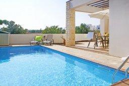 Бассейн. Кипр, Пернера : Прекрасная вилла с бассейном и двориком с барбекю, 2 спальни, парковка, Wi-Fi
