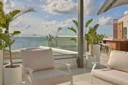 Патио. Кипр, Аммос - Лимнария Бич : Современная вилла возле пляжа с бассейном и видом на море, 5 спален, 6 ванных комнат, парковка, Wi-Fi