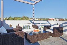 Патио. Кипр, Нисси Бич : Великолепная вилла с видом на море и горы, с 3-мя спальнями, бассейном, тенистой террасой с патио, барбекю и потрясающим садом на крыше