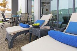 Территория. Кипр, Пернера : Современная вилла с видом на Средиземное море, с 3-мя спальнями, 2-мя ванными комнатами, бассейном, тенистой террасой с патио и барбекю, расположена в 200 метрах от песчаного пляжа Kalamies Beach