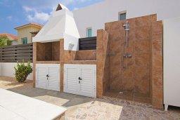 Территория. Кипр, Пернера Тринити : Удивительная вилла с 3-мя спальнями, 2-мя ванными комнатами, бассейном, тенистой террасой с патио и традиционным каменным барбекю, расположена недалеко от пляжа Trinity Beach