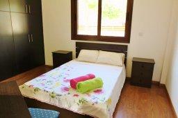 Спальня. Кипр, Декелия - Ороклини : Уютная вилла с бассейном и приватным двориком, 4 спальни, 2 ванные комнаты, парковка, Wi-Fi