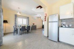 Кухня. Кипр, Ксилофагу : Восхитительная вилла с бассейном и двориком с барбекю, 3 спальни, 3 ванные комнаты, парковка, Wi-Fi