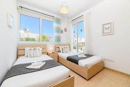 Спальня 2. Кипр, Пернера Тринити : Прекрасная вилла с 3-мя спальнями, бассейном, солнечной террасой с патио и каменным барбекю, расположена в тихом комплексе недалеко от пляжа Ayia Triada