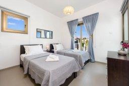 Спальня. Кипр, Ионион - Айя Текла : Прекрасная вилла с 2-мя спальнями, с бассейном, просторной верандой с патио и барбекю, расположена всего в нескольких шагах от красивой гавани Potamos
