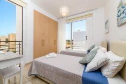 Спальня 2. Кипр, Пернера Тринити : Прекрасная вилла с 2-мя спальнями, бассейном, солнечной террасой с патио и традиционным кипрским барбекю, расположена в Ayia Triada