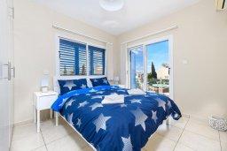 Спальня. Кипр, Ионион - Айя Текла : Очаровательная вилла с 2-мя спальнями, бассейном, солнечной террасой с патио, беседкой и традиционным кипрским барбекю, расположена в небольшом тихом комплексе в Agia Thekla