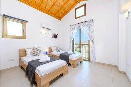 Спальня 3. Кипр, Ионион - Айя Текла : Потрясающая вилла с 3-мя спальнями, 2-мя ванными комнатами, с бассейном, просторной верандой с патио и барбекю, расположена всего в нескольких шагах от красивой гавани Potamos