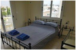 Спальня 3. Кипр, Пафос город : Прекрасная вилла с бассейном и приватным двориком, 3 спальни, 2 ванные комнаты, парковка, Wi-Fi
