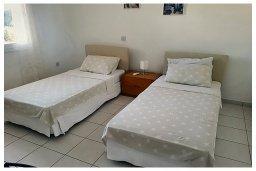 Спальня 2. Кипр, Пафос город : Пентхаус в комплексе с бассейном, с гостиной, тремя спальнями, двумя ванными комнатами и двумя балконами