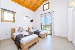 Спальня 3. Кипр, Ионион - Айя Текла : Потрясающая вилла с 3-мя спальнями, с бассейном, просторной верандой с патио, солнечной террасой lounge-зоной и барбекю, расположена всего в нескольких шагах от красивой гавани Potamos