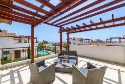 Патио. Кипр, Ионион - Айя Текла : Великолепная вилла с видом на Средиземное море, с 3-мя спальнями, 2-мя ванными комнатами, с бассейном, просторной верандой с патио, lounge-зоной и барбекю, расположена всего в нескольких шагах от красивой гавани Potamos