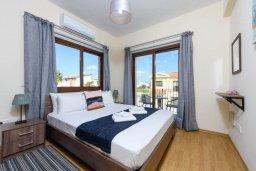 Спальня. Кипр, Ионион - Айя Текла : Потрясающая вилла с 3-мя спальнями, 2-мя ванными комнатами, с бассейном, солнечной террасой с патио и барбекю, расположена  в тихом районе Ayia Thekla недалеко от пляжа
