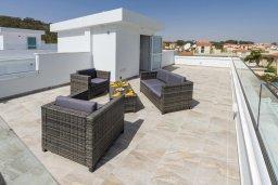 Терраса. Кипр, Каво Марис Протарас : Современная вилла с 3-мя спальнями, бассейном, уютным двориком с патио барбекю, меблированной террасой на крыше, расположена недалеко от пляжей Konnos Beach и Fig Tree Bay