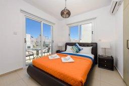 Спальня 2. Кипр, Нисси Бич : Современная вилла с 3-мя спальнями, бассейном, солнечной террасой с патио, барбекю и садом на крыше