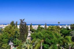 Вид на море. Кипр, Коннос Бэй : Потрясающая вилла с видом на Средиземное море, с 3-мя спальнями, 2-мя ванными комнатами, бассейном, тенистой террасой с патио, каменным барбекю и садом на крыше, расположена недалеко от пляжа Konnos Beach