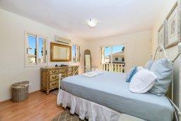 Спальня 2. Кипр, Декелия - Ороклини : Потрясающая вилла с видом на Средиземное море, с 4-мя спальнями, 3-мя ванными комнатами, с бассейном, солнечной террасой с патио и барбекю, расположена рядом с пляжем Yanathes Beach