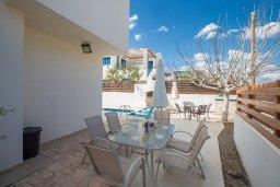 Обеденная зона. Кипр, Пернера Тринити : Прекрасная вилла с бассейном и двориком с барбекю, 2 спальни, парковка, Wi-Fi