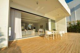 Территория. Кипр, Пернера : Роскошная пляжная вилла с панорамным видом на Средиземное море, с 5-ю спальнями, 6-ю ванными комнатами, с бассейном, джакузи, кинозалом, тренажерным залом, барбекю, расположена в 20 метрах от моря