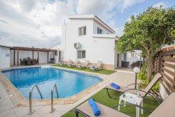 Фасад дома. Кипр, Санрайз Протарас : Прекрасная вилла с бассейном и двориком с барбекю, 3 спальни, парковка, Wi-Fi