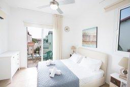 Спальня. Кипр, Пернера : Превосходная вилла с бассейном и приватным двориком с барбекю, 3 спальни, 2 ванные комнаты, парковка, Wi-Fi
