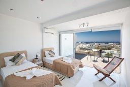 Спальня 2. Кипр, Центр Айя Напы : Современный апартамент с гостиной, двумя спальнями и балконом с видом на море