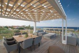 Патио. Кипр, Каппарис : Роскошная вилла с 3-мя спальнями, с бассейном, потрясающей террасой на крыше с патио, джакузи и невероятным видом на Средиземное море