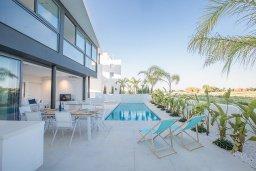 Бассейн. Кипр, Каппарис : Роскошная вилла с видом на море, с 3-мя спальнями, с бассейном, солнечной террасой с патио и барбекю, расположена недалеко от пляжа Firemans Beach
