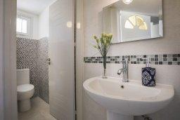 Туалет. Кипр, Менеу : Уютная вилла с 2-мя спальнями, с зеленым двориком и патио с барбекю