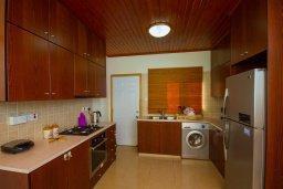 Кухня. Кипр, Какопетрия : Коттедж на окраине деревни Васа, в самом сердце региона Красохориа, с 3 спальнями, 1 ванной комнатой и частной парковкой