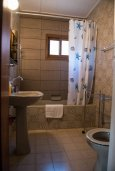 Кипр, Платрес : Уютный дом в винтажном стиле с тремя спальнями в известном курорте Платрес в горах Троодос, окружен соснами и отлично подходит для загородного отдыха в горах.