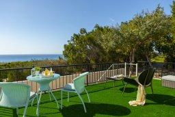 Вид на море. Кипр, Аммос - Лимнария Бич : Потрясающая вилла с великолепным видом на море, с 3-мя спальнями, бассейном, уютным двориком и каменной печью, расположена около пляжа Ammos Tou Kampouri Beach