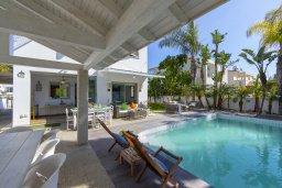 Территория. Кипр, Каво Марис Протарас : Очаровательная вилла с 4-мя спальнями, с бассейном, солнечной террасой с патио, перголой и каменным барбекю, расположена недалеко от пляжа Vyzakia Beach