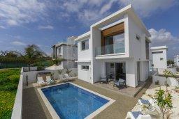 Вид на виллу/дом снаружи. Кипр, Каппарис : Просторная современная вилла с видом на море, с 3-мя спальнями, с бассейном, солнечной террасой и барбекю, расположена в тихом районе Kapparis