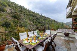 Вид. Кипр, Троодос : Очаровательный коттедж с 4-мя спальнями, просторной террасой с потрясающим видом на горы, расположен в деревне Amiantos на вершине холма над берегом реки Kouris