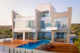 Вид на виллу/дом снаружи. Кипр, Аммос - Лимнария Бич : Современная шикарная вилла с видом на Средиземное море, с 3-мя спальнями, бассейном с джакузи, солнечной террасой на крыше, расположена в 150м от набережной и в 450м от пляжа Limnara Beach