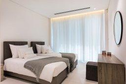 Спальня. Кипр, Центр Айя Напы : Шикарный пентхаус с 3-мя спальнями, с балконом, расположен в современном комплексе с бассейном в центре Ayia Napa