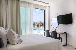 Студия (гостиная+кухня). Кипр, Центр Айя Напы : Потрясающая студия с балконом, расположена в современном комплексе с бассейном в центре Ayia Napa