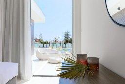 Балкон. Кипр, Центр Айя Напы : Потрясающая студия с балконом, расположена в современном комплексе с бассейном в центре Ayia Napa