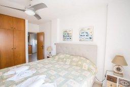 Спальня. Кипр, Центр Айя Напы : Очаровательная вилла с 2-мя спальнями, приватным двориком с патио и барбекю, расположена в 500м от песчаного пляжа Nissi Beach