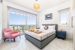 Спальня 2. Кипр, Каво Марис Протарас : Великолепная современная вилла с видом на Средиземное море, с 3-мя спальнями, с бассейном, тенистой террасой с патио и барбекю, расположена в популярном районе Green Bay
