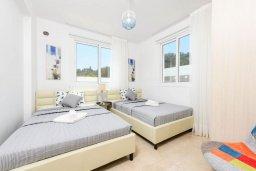 Спальня. Кипр, Каво Марис Протарас : Современная вилла с террасой на крыше с видом на Средиземное море, с 4-мя спальнями, с бассейном, патио и барбекю, расположена недалеко от пляжей  Konnos Bay и Fig Tree Bay